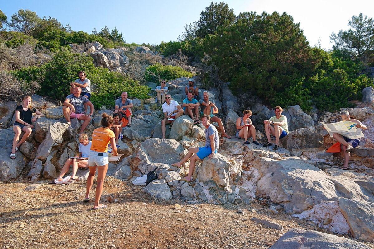 Briefing op de rotsen - flottielje portokali