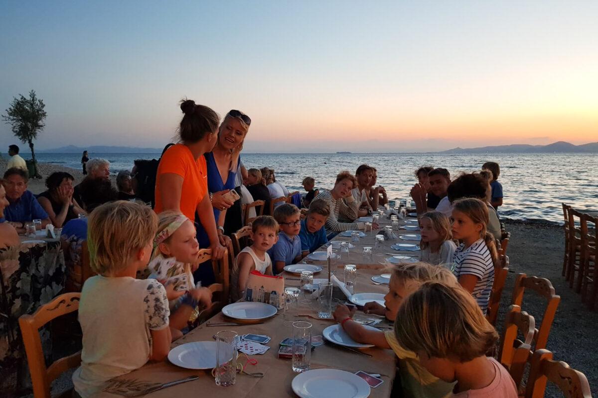 dineren met het hele flottielje