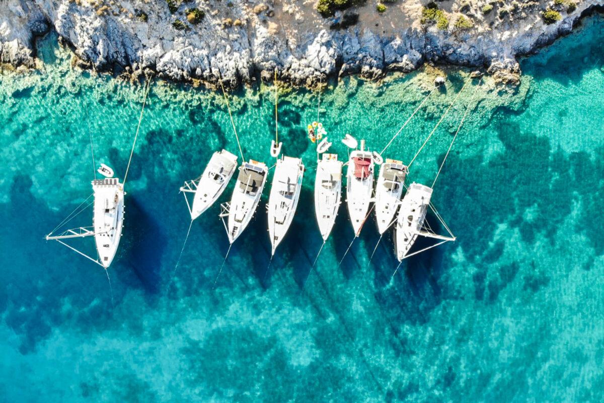 flottieljejachten met lange lijnen
